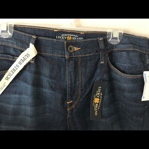 NWT Lucky Brand Sofia Straight Mid-Rise Jeans